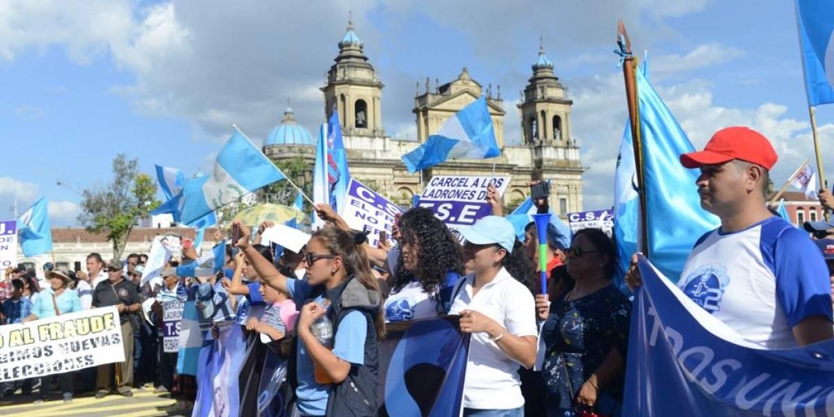 VIDEO. Decenas protestan en contra de los resultados de las elecciones generales