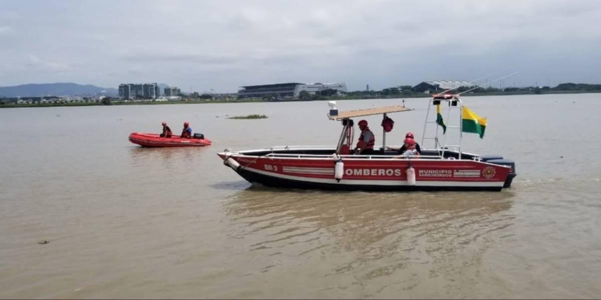 Una mujer cayó al río Guayas al parecer por hacerse una 'selfie'