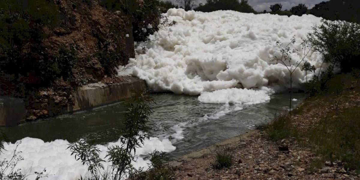 Rescatan cuerpo de joven que desapareció en espuma tóxica en Valsequillo