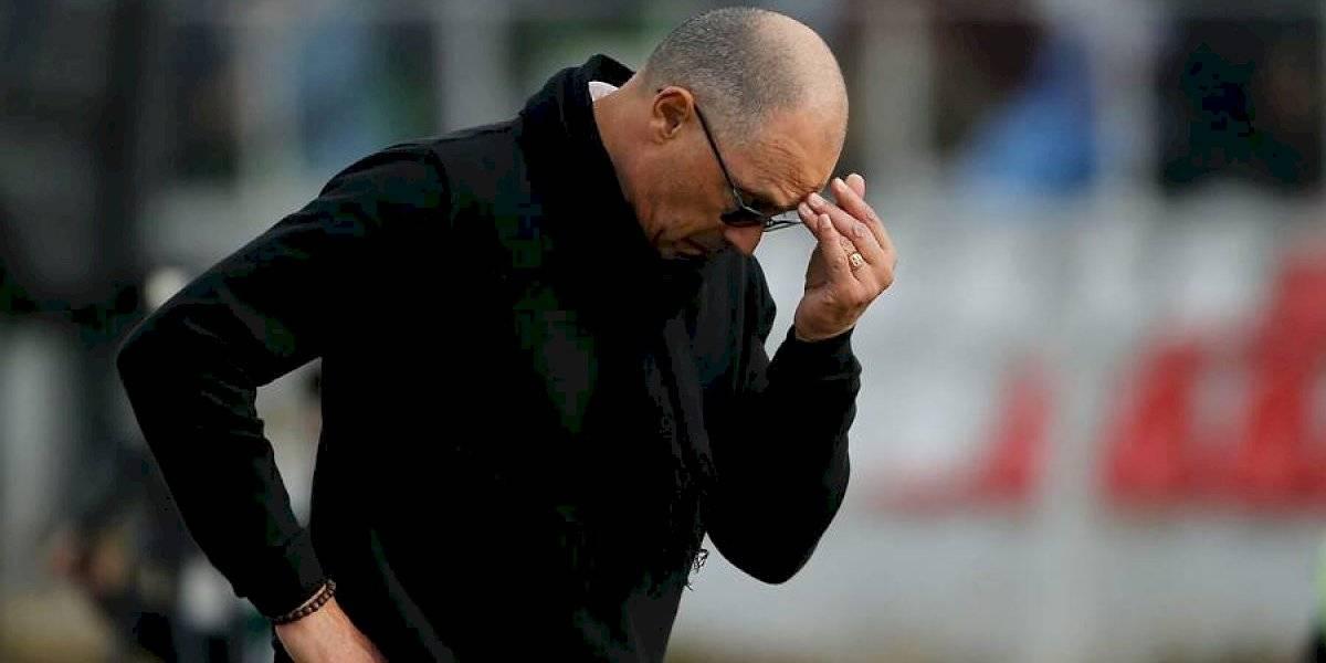 Hinchas de la U pierden la paciencia y piden la salida de Alfredo Arias