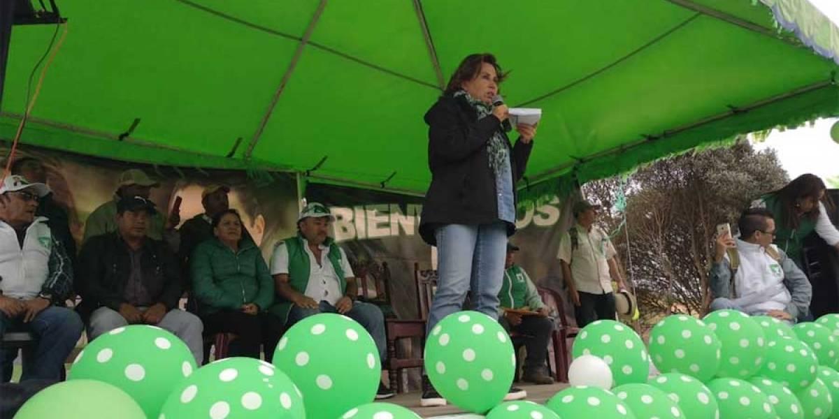 Sandra Torres visita Chiantla y ofrece programas sociales