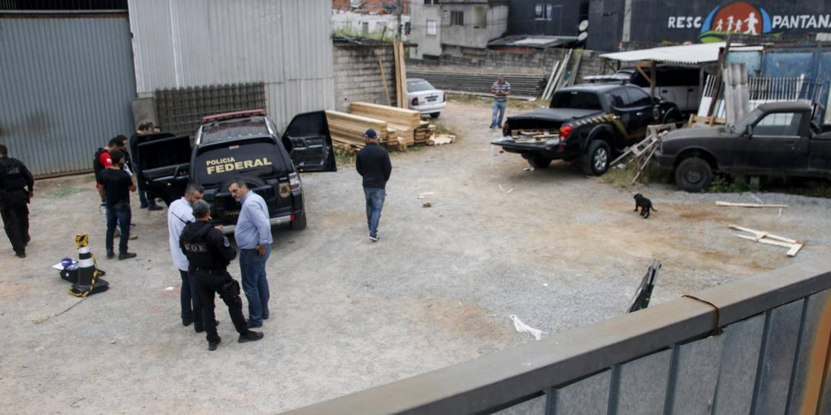Presos quatro suspeitos de roubar carga de ouro no aeroporto de Guarulhos