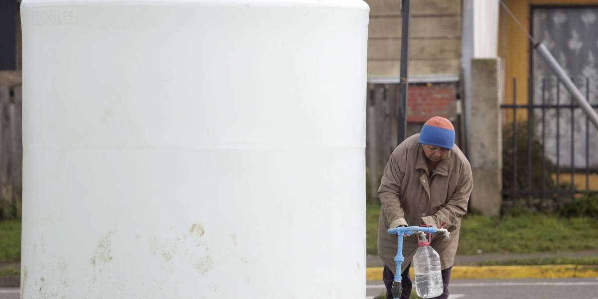 Crisis del agua: Hay 30 fiscalizadores para 5,2 millones de clientes en Chile