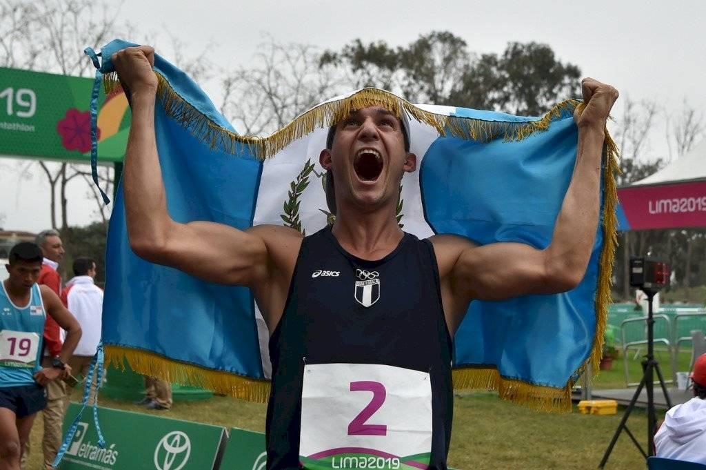 Foto AFP | Charles Fernández le ganó al chileno Esteban Bustos
