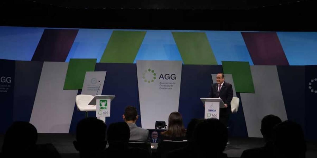 Se realiza debate presidencial de la AGG solamente con Alejandro Giammattei