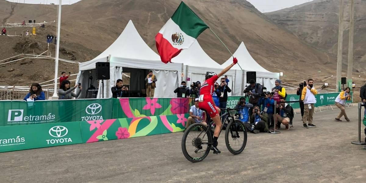 Daniela Campuzano obtiene medalla de oro en ciclismo de montaña