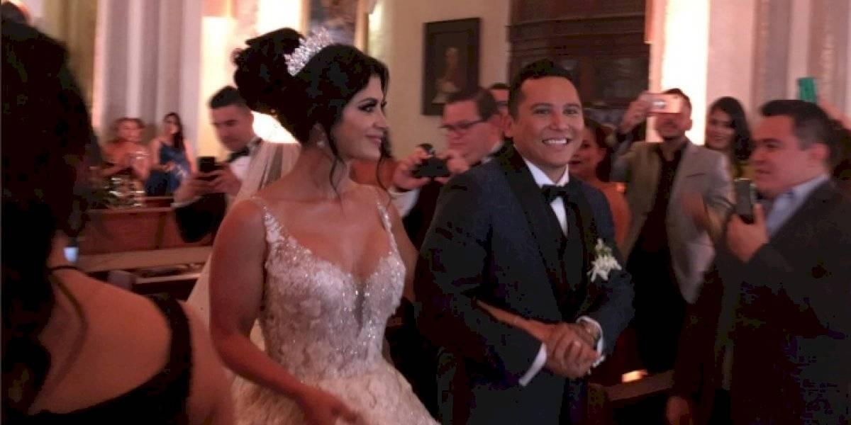 ¿Copia a Thalía? Kim Flores sorprende con su vestido de novia de más de 50 libras