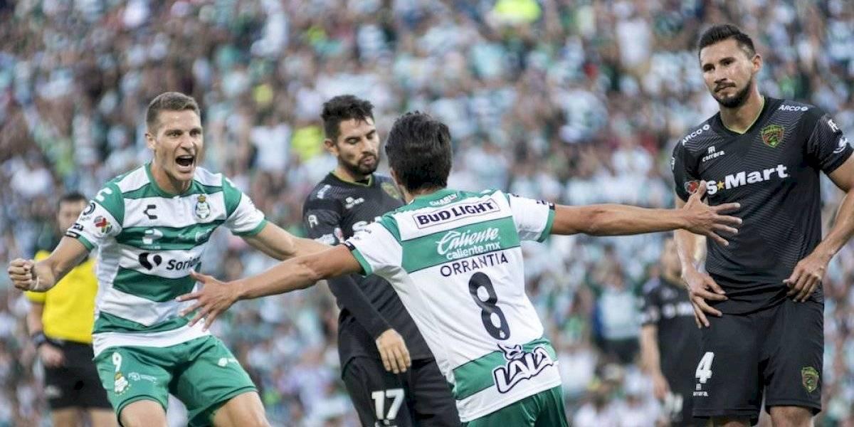 Santos golea a Juárez y es líder en la Liga MX