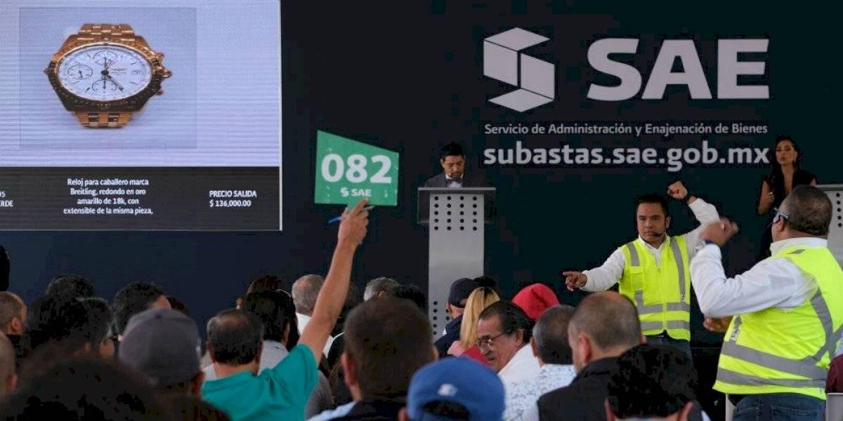 Subasta de joyas en Los Pinos recauda 10 mdp