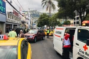 Fuerte accidente de tránsito en la avenida Rodrigo de Chávez, sur de Quito
