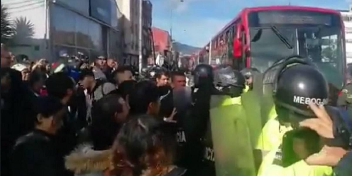 Usuarios de EPS Capital Salud bloquearon TransMilenio durante varias horas