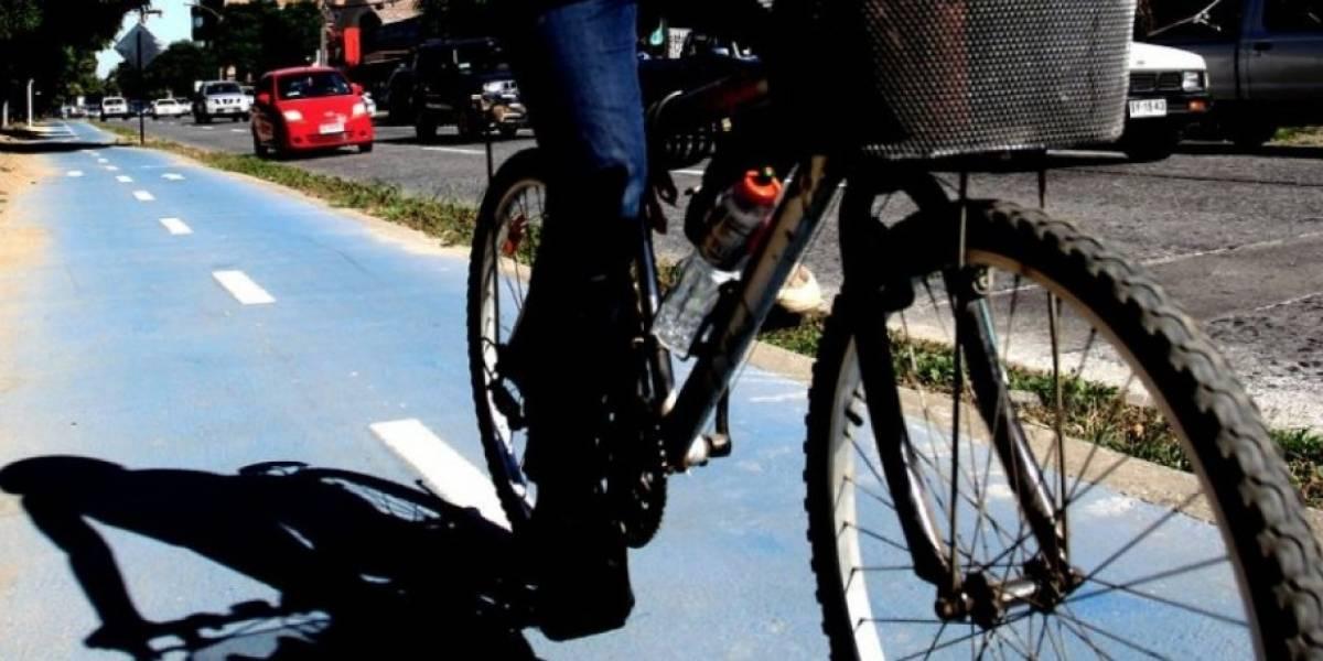 Atropelló a un ciclista, dijo que lo iba a llevar al hospital, pero sólo lo subió al auto para abandonarlo a su suerte: la víctima murió