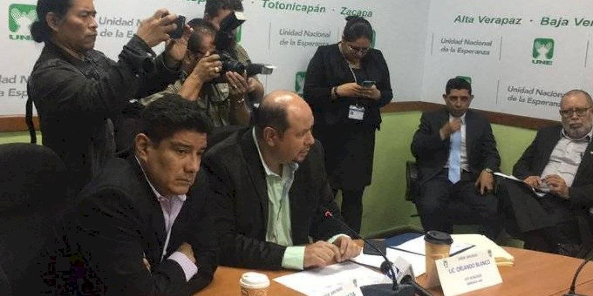 Diputados analizan denunciar a Degenhart por firmar acuerdo migratorio