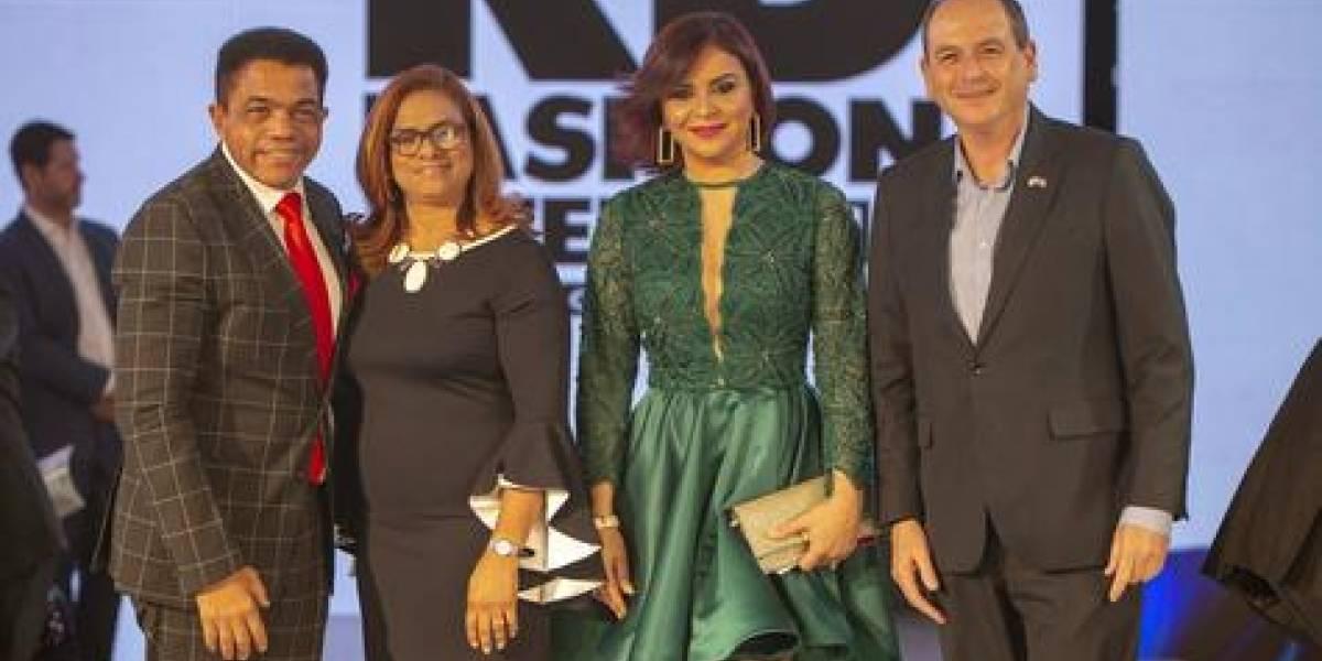 "#TeVimosEn: Giannina Azar deslumbró en el RD Fashion Week con su colección ""Cruise Line 2020"""