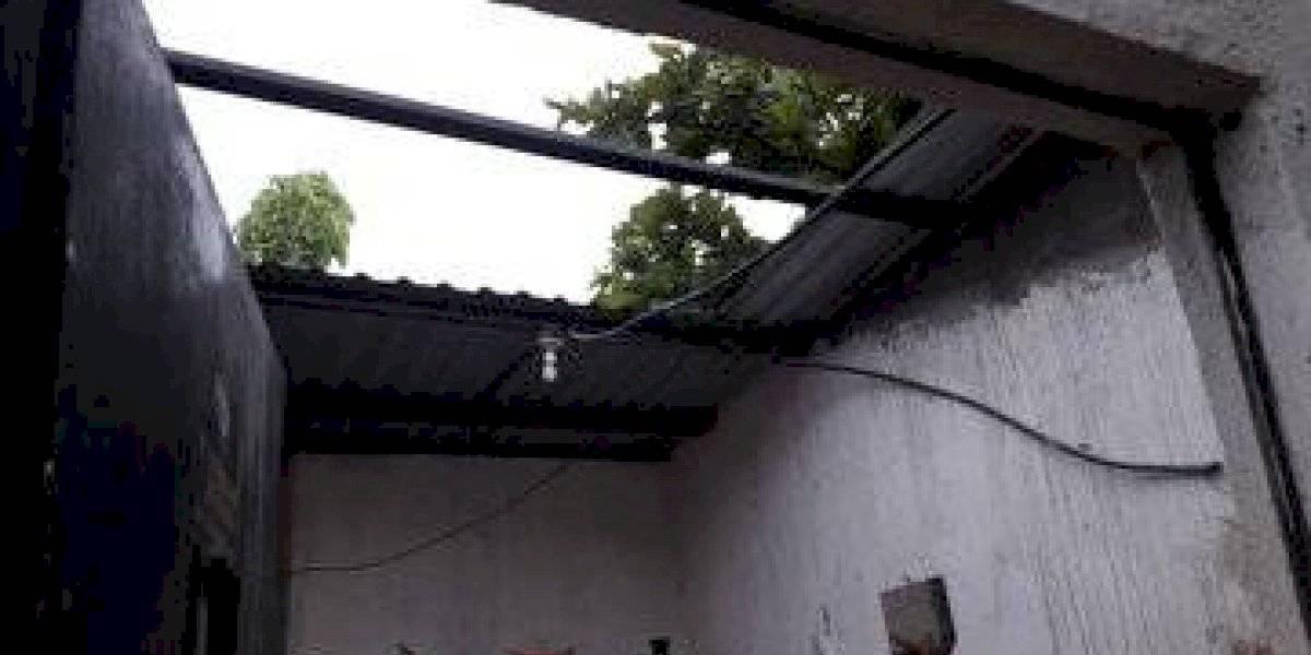 Lluvia y fuerte viento dañan viviendas en Suchitepéquez y Escuintla