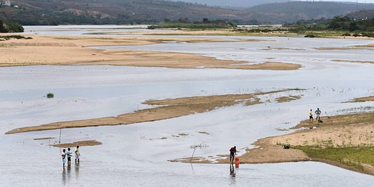 Impactados pela lama no Rio Doce ainda esperam por indenização da Samarco