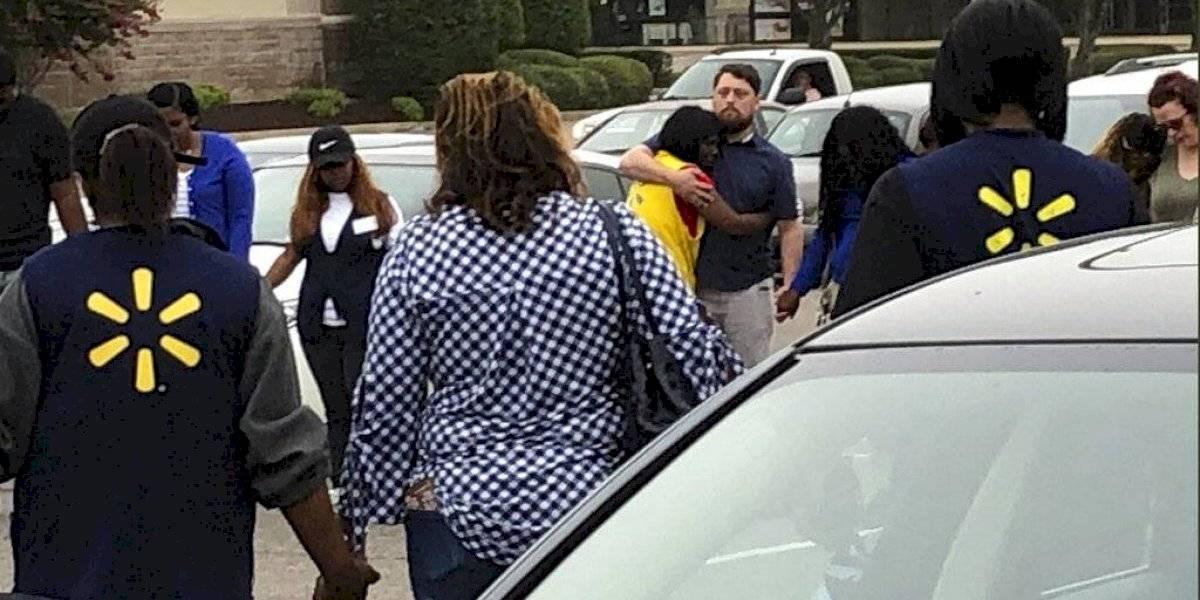Tiroteo dejó al menos dos muertos en supermercado Walmart de Estados Unidos