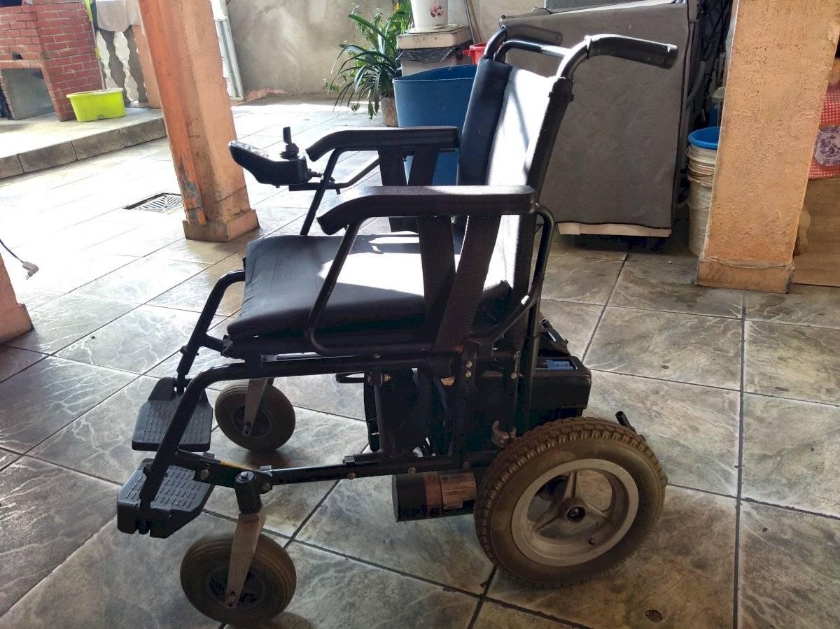 cadeirante vaquinha cadeira de rodas motorizada