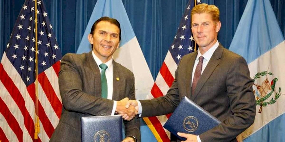 Guatemala y EE. UU. suscriben acuerdo sobre visas para trabajadores agrícolas temporales