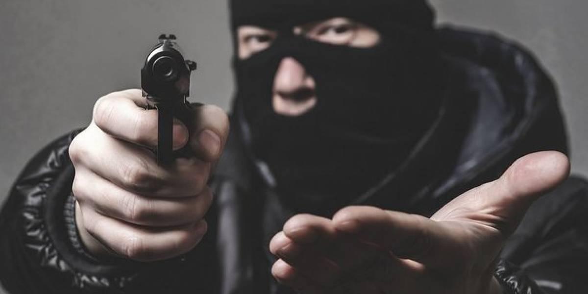 Delincuentes robaron cerca de $3 000 de un local comercial en Carapungo