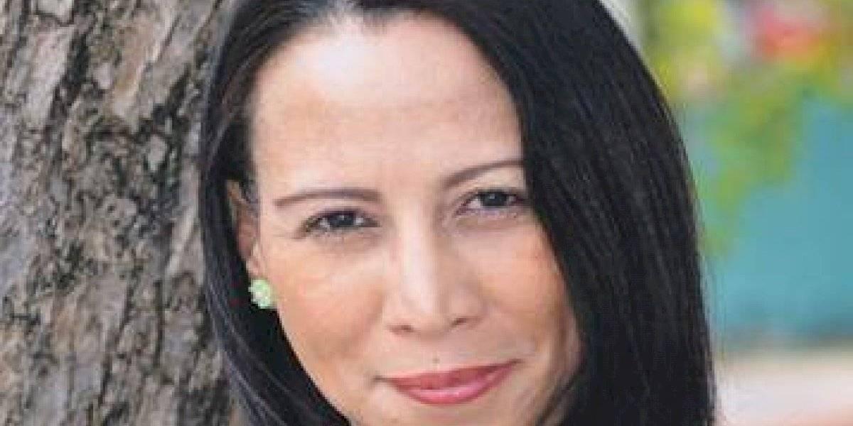Escritora Natacha Féliz Franco presentará libro este jueves 1 de agosto