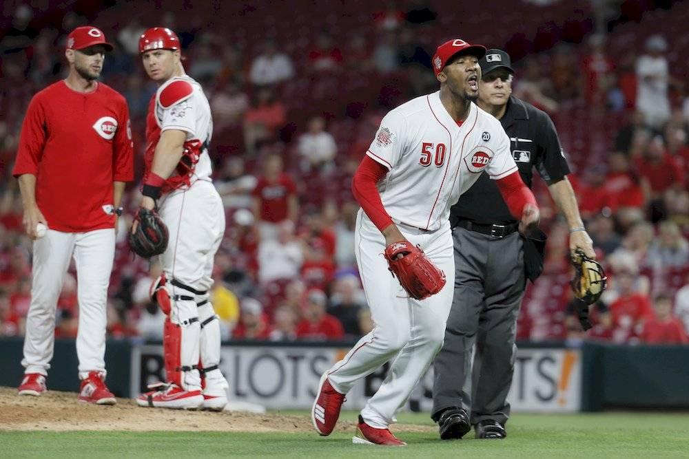 (VIDEO) Batalla campal en el béisbol entre los Rojos y los Piratas
