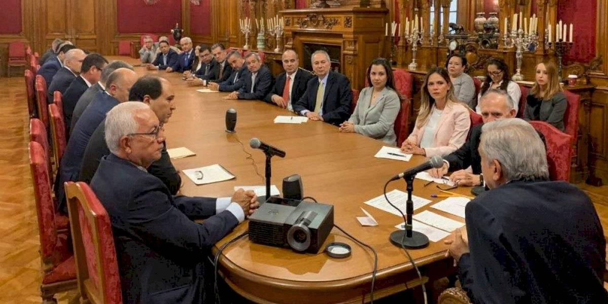 Se reúnen AMLO y Slim en privado en Palacio