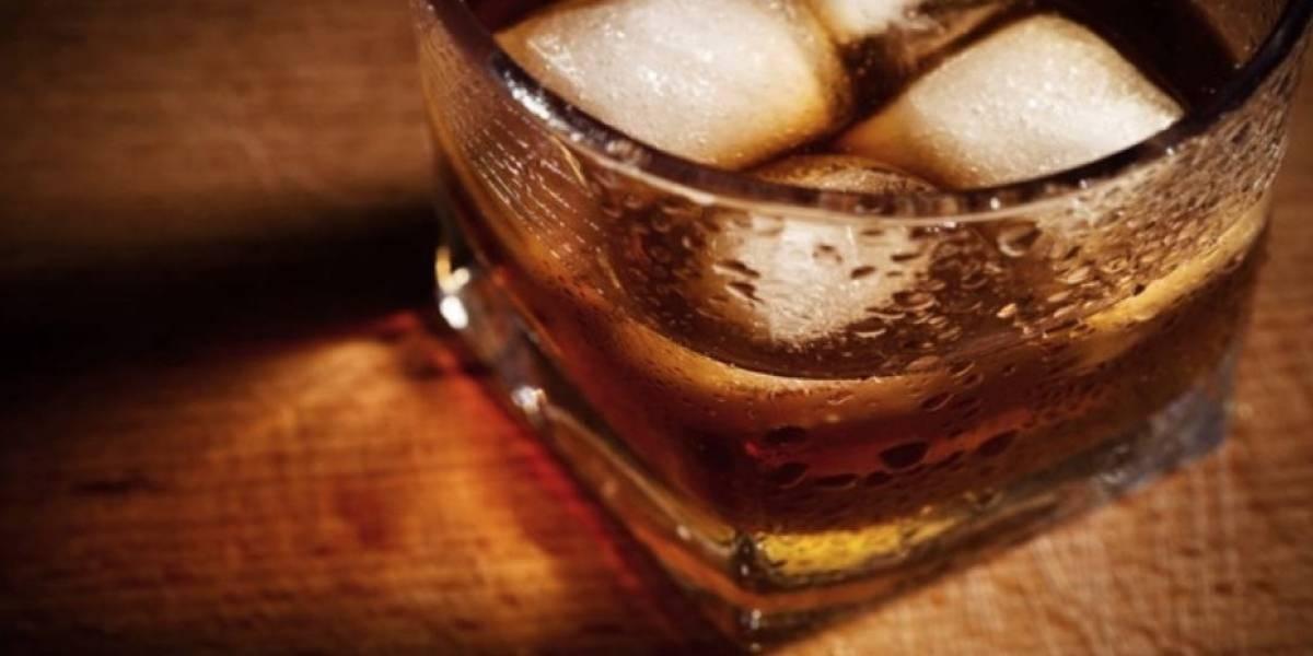 """""""Simplemente corrió y saltó"""": llegó a un bar en una azotea, pidió un trago que ni siquiera probó y se lanzó al vacío"""