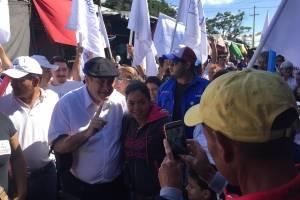 Giammattei es recibido con mariachis en el Guarda