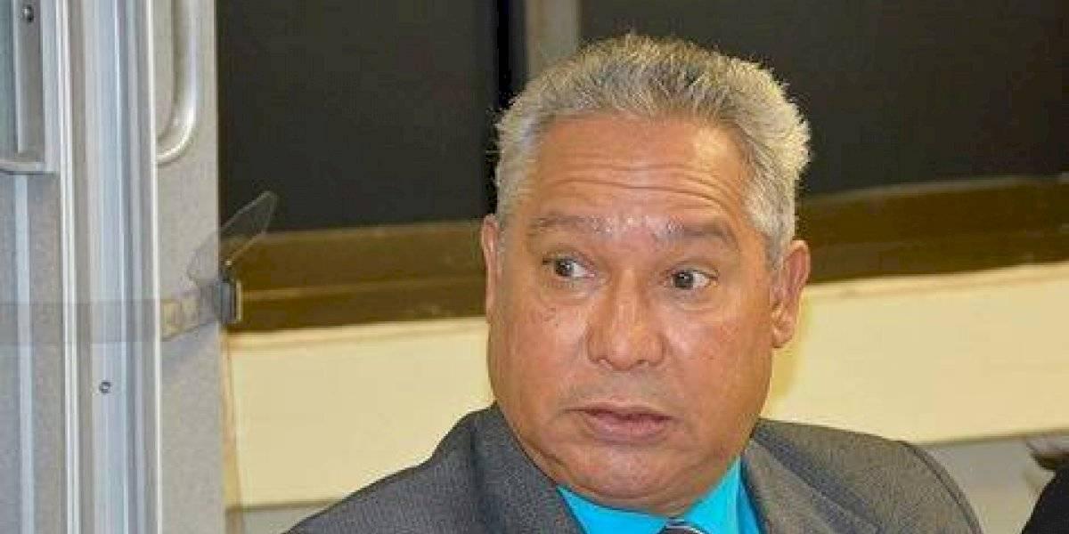 Medina cesa al ministro de Economía tras oponerse  a unificar las elecciones
