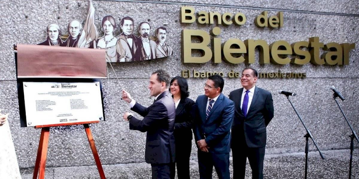 Arturo Herrera da banderazo al Banco del Bienestar