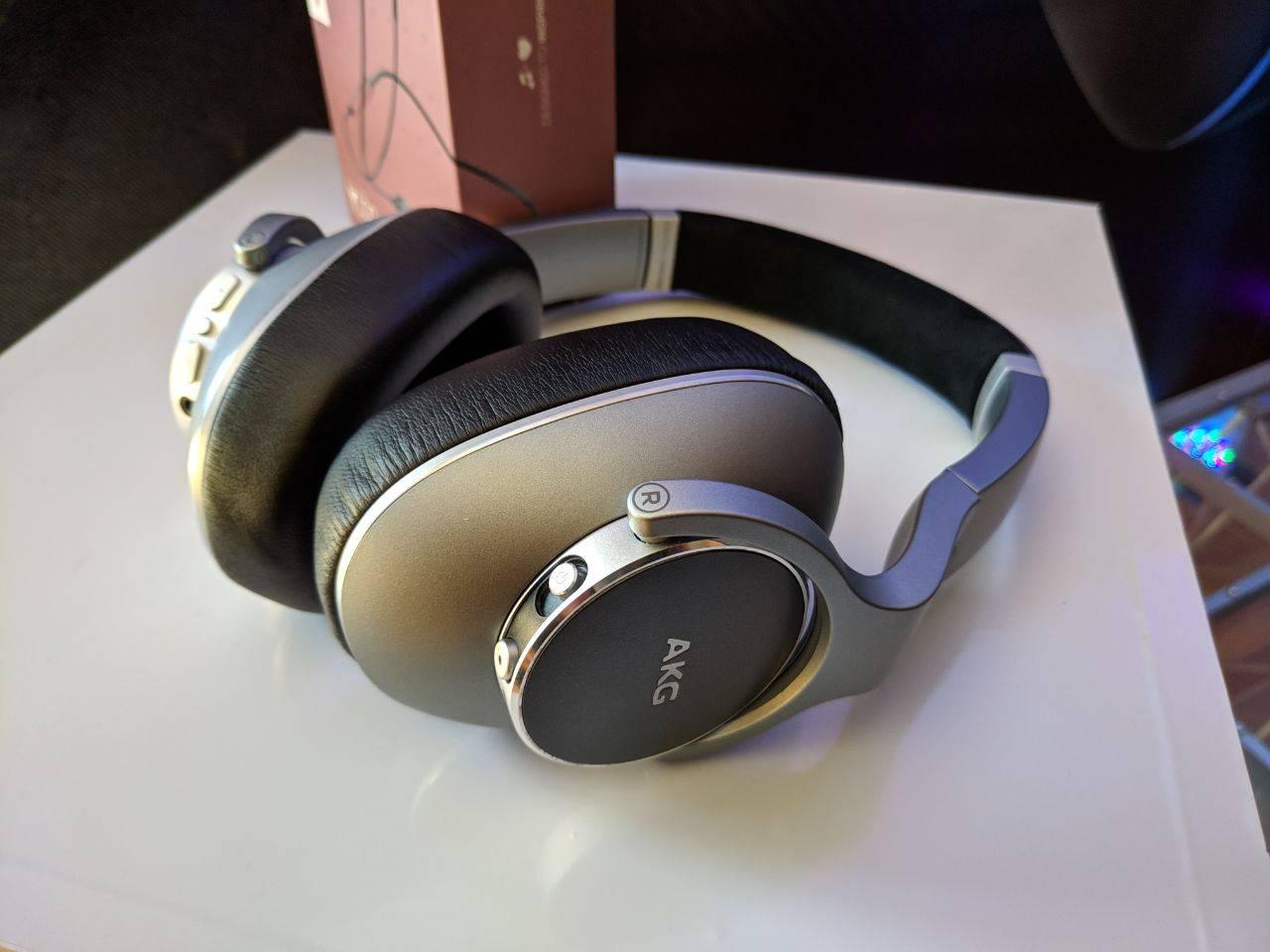 AKG y sus audífonos llegaron a Chile, de la mano de Samsung