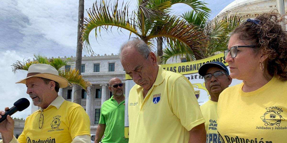 Maestros jubilados reclaman respaldo de Pierluisi a ley para retiro digno