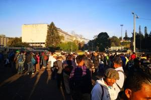 manifestantes frente a sede de CSJ