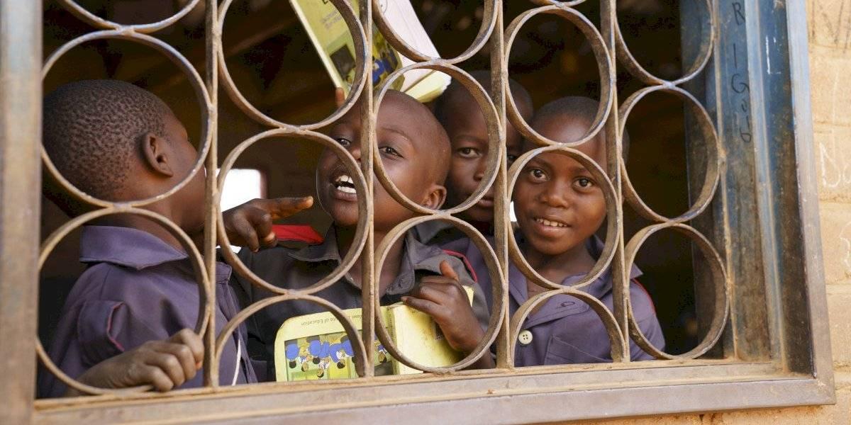 Presidente del Schalke dijo que en África hay muchos niños porque no hay luz y los adultos procrean en la oscuridad