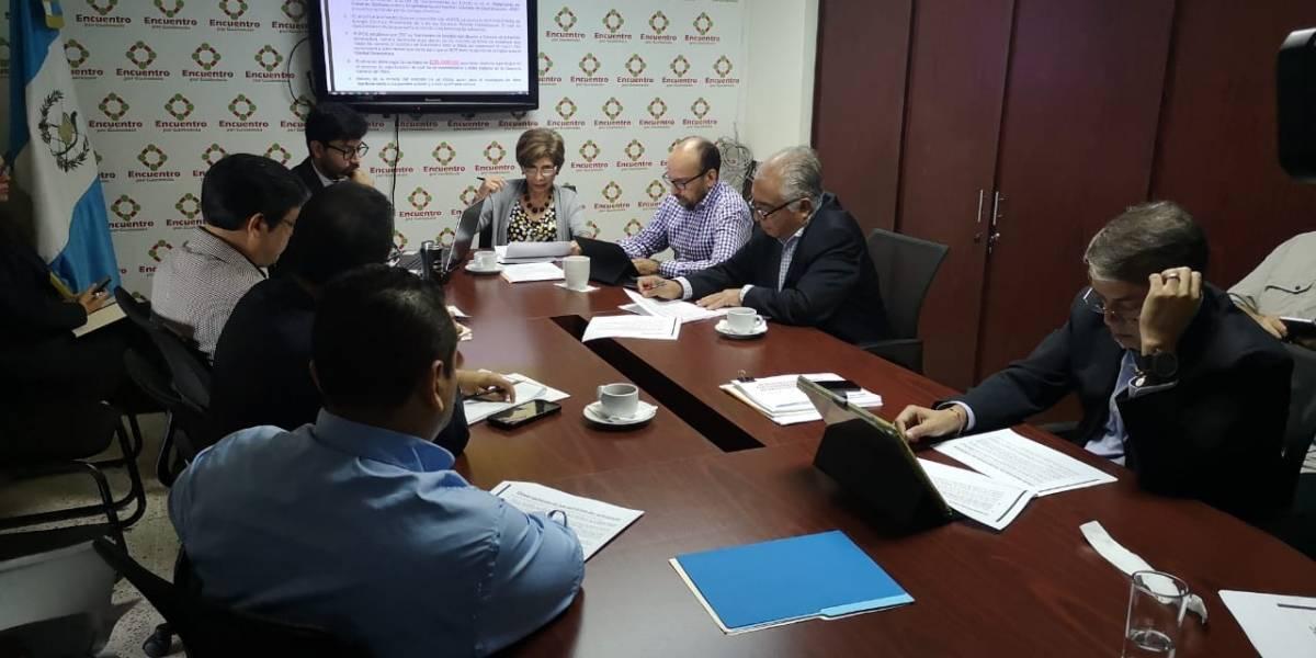 Licitación de suministro de sistemas solares del INDE será auditada por la Contraloría