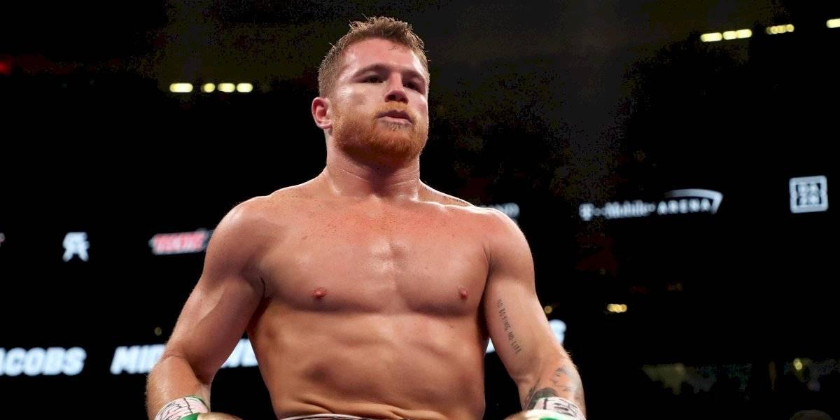 FIB le quita su cinturón de campeón a Canelo Álvarez