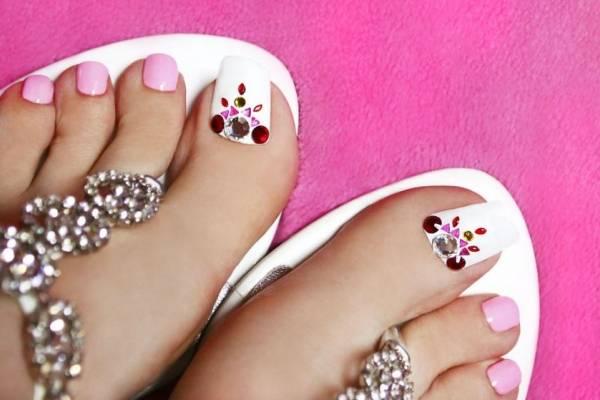 La Nueva Moda Uñas Largas De Acrílico En Los Pies Nueva Mujer