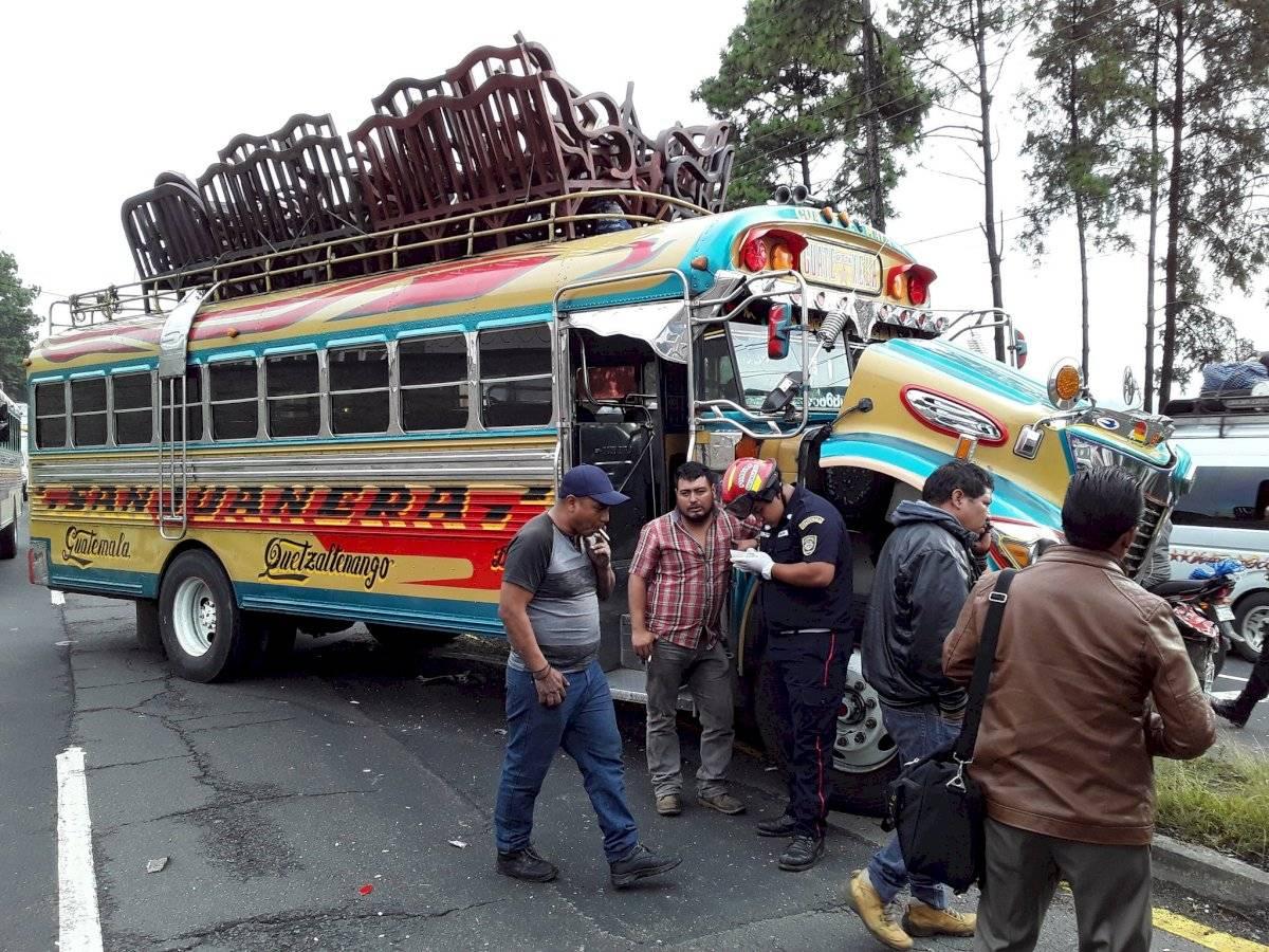 Accidente del transporte colectivo. Foto: Bomberos Municipales Departamentales