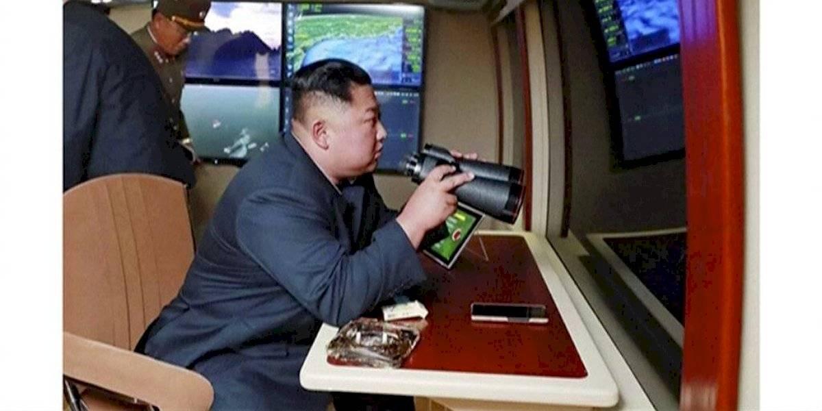 """Kim Jong-un supervisa en terreno la efectividad de su nuevo """"jueguete"""": revelan nuevos detalles del nuevo sistema lanza cohetes de Corea del Norte"""