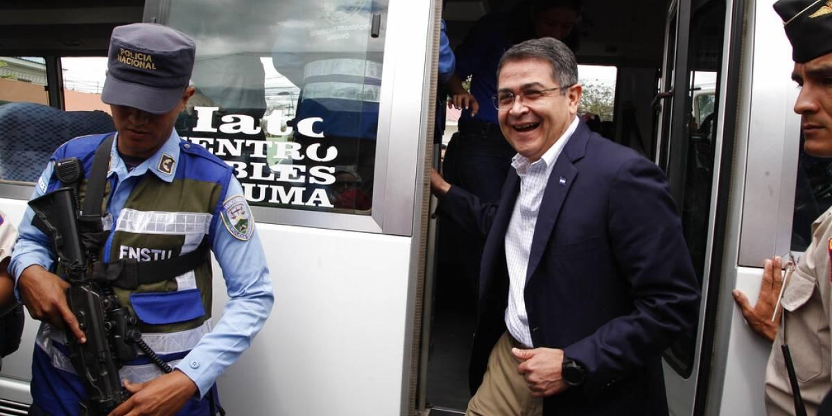 Fiscalía de EEUU señala a presidente de Honduras de aceptar dinero del narco