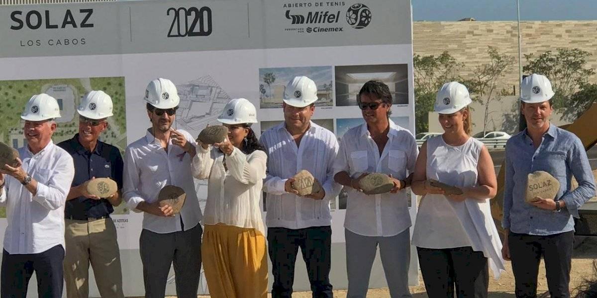 Colocan primera piedra para estadio sede del Abierto de Los Cabos