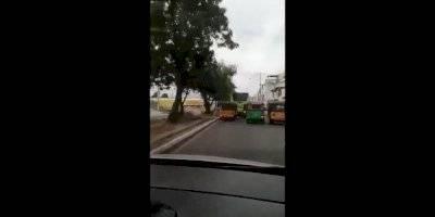 Filman a conductor de tuc tuc cometiendo imprudencias.