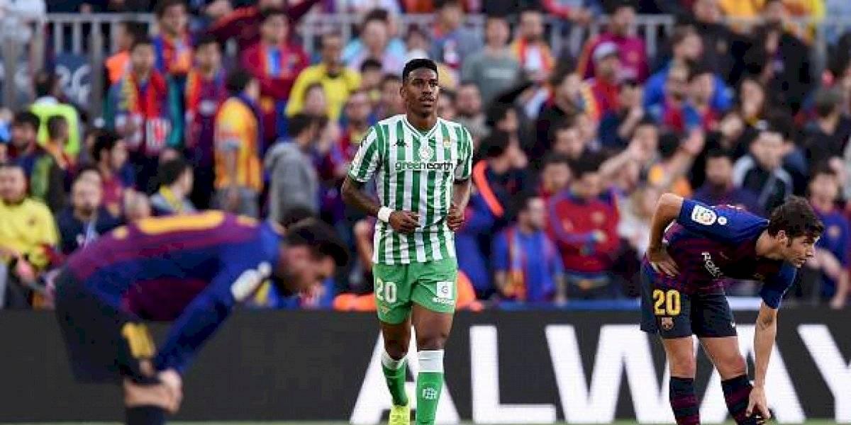 Barcelona anunció el fichaje de Junior Firpo, jugador del Betis