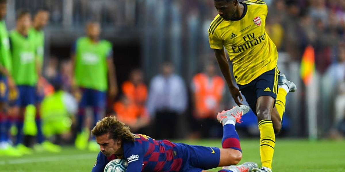 VIDEO: ¡Ridículo! Tremendo autogol en el Barcelona-Arsenal