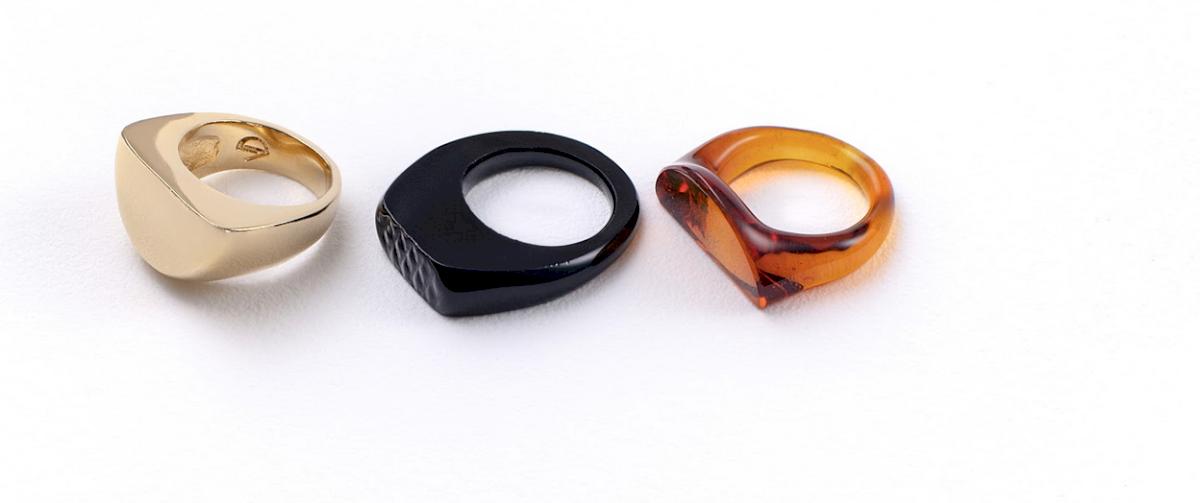 Algunas de las piezas de Vanessa Drummond inspiradas en el Huawei P30 Pro Amber Sunrise. Cortesía Huawei