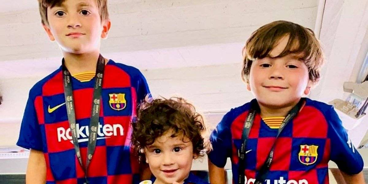 VIDEO. Mateo Messi causa ternura con un divertido clavado