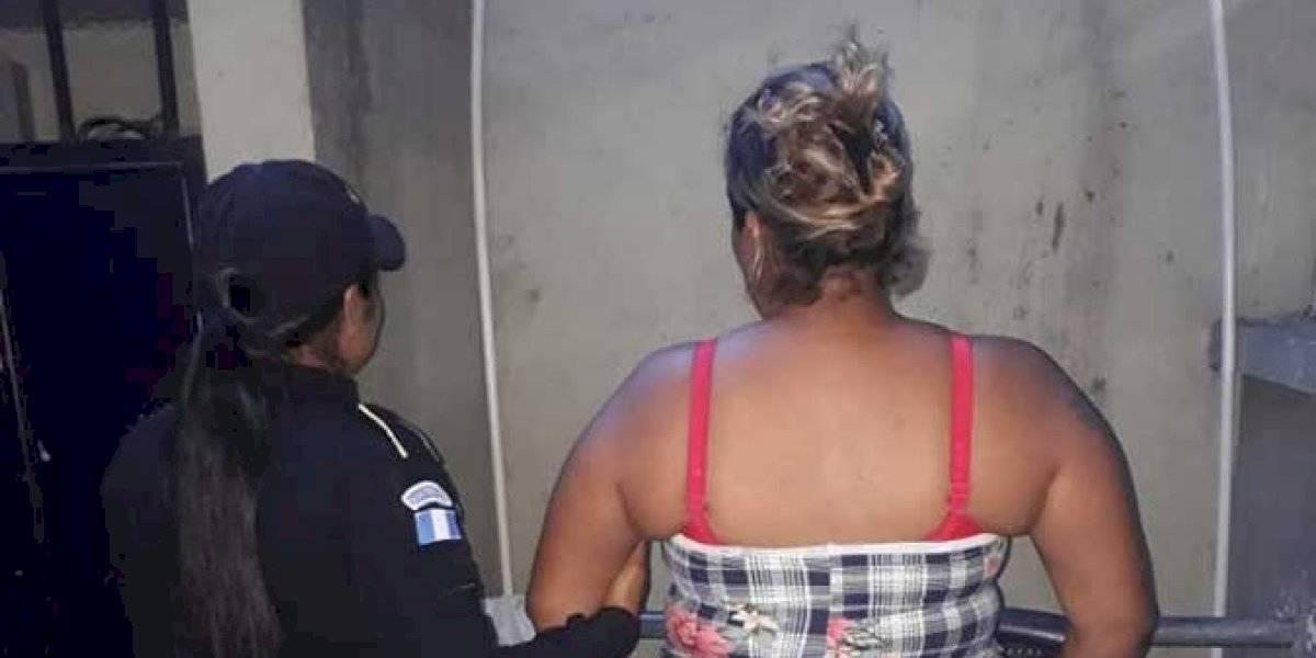Mujer es capturada por intentar prostituir a una menor