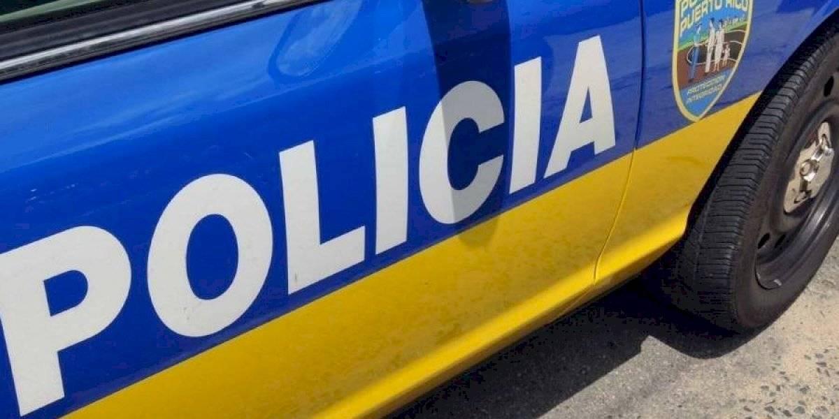 Policía interviene con conductora y pasajeros por violación al toque de queda y sustancias controladas