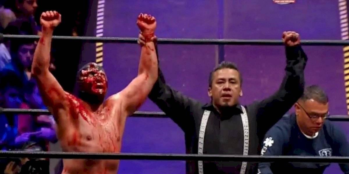 En un sangriento combate, Blue Demon Jr rapa a Wagner en Triplemanía XXVII